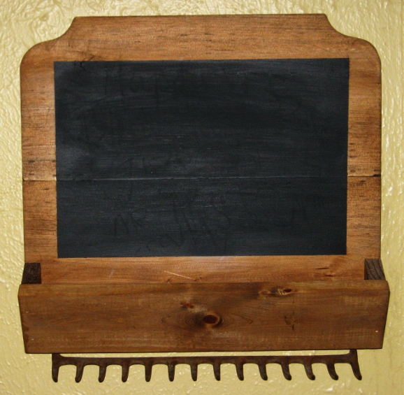 scrap wood chalkboard and key holder